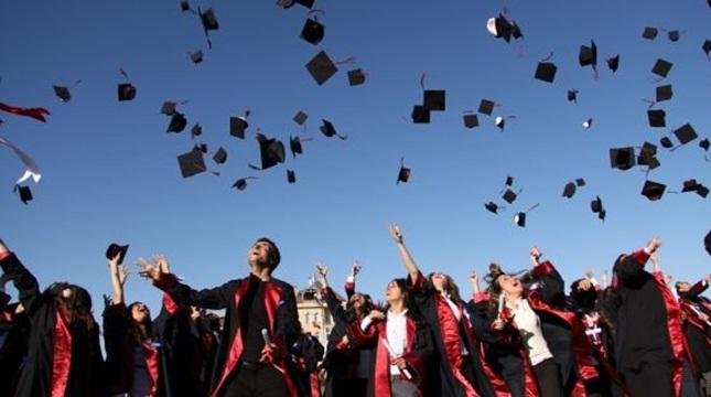 Üniversitelerde Bazı Bölümlerin Eğitim Süreleri Değişti.